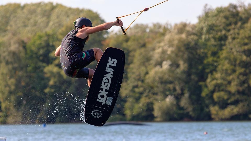 Quelle planche de wakeboard pour débuter ?